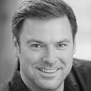 Noel Dinneen Cast